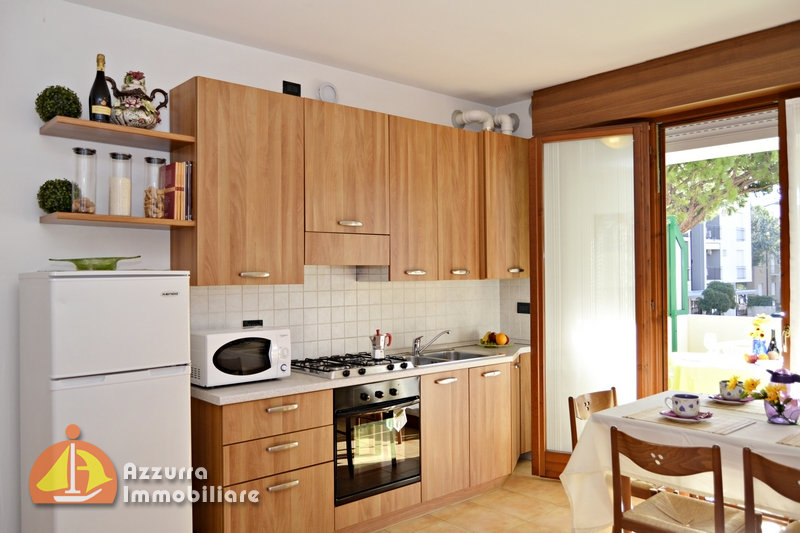 THREE-ROOM APARTMENT WITH POOLS NEAR PIAZZA MAZZINI
